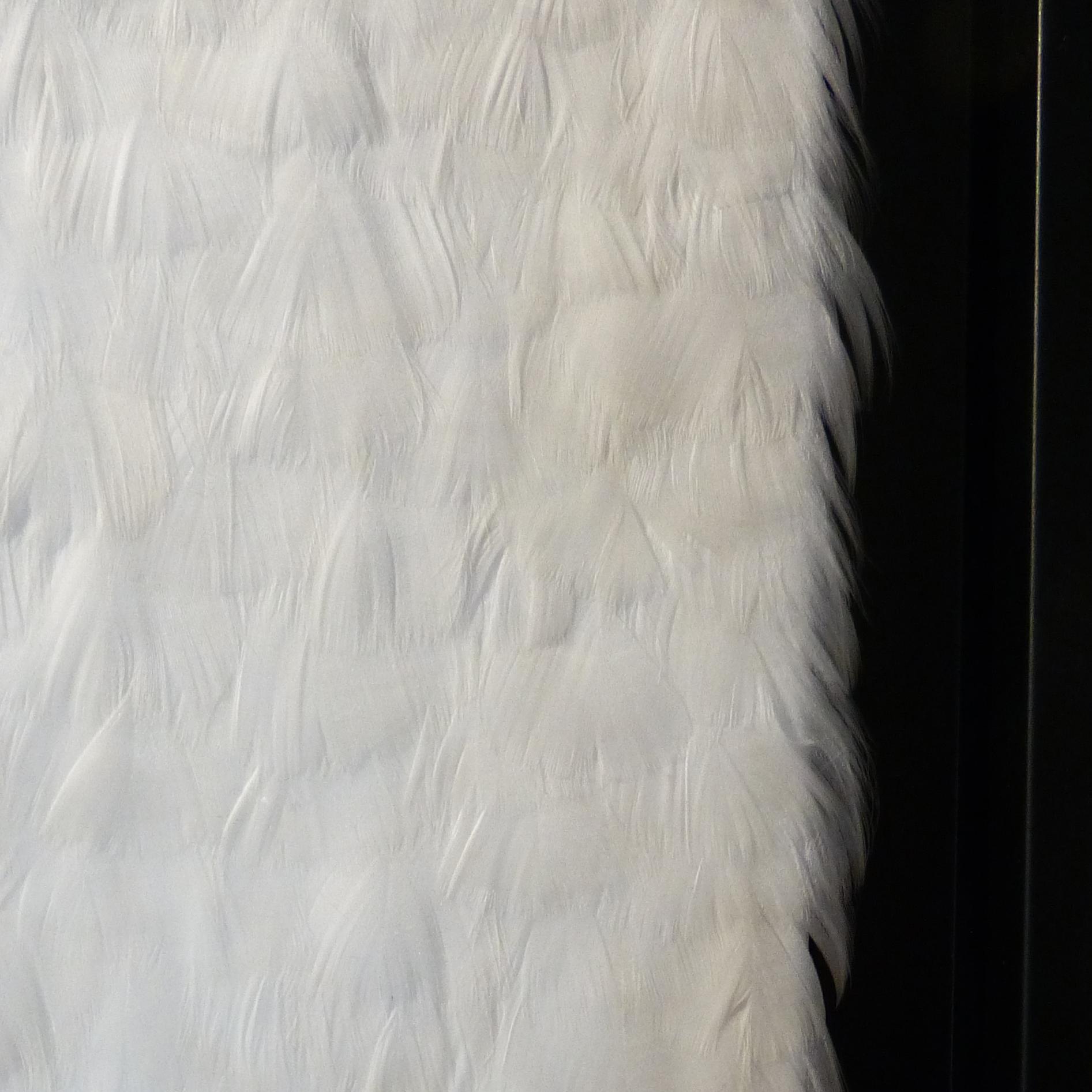 White Surface - Photo 2